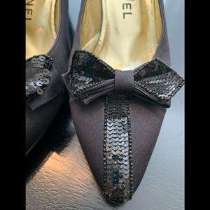 🎉 HP Vtg CHANEL black matte satin sequin heels 8